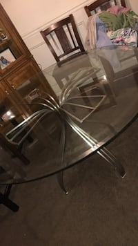 Glass  dinning table . MUST PICK UP ! Amarillo, 79106