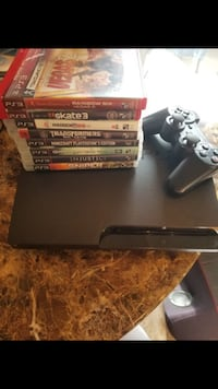 Clean PS3 w/ games & Controller