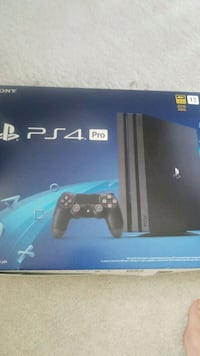 Ps4 pro and Samsung 4k curved tv Innisfil, L9S 4B7