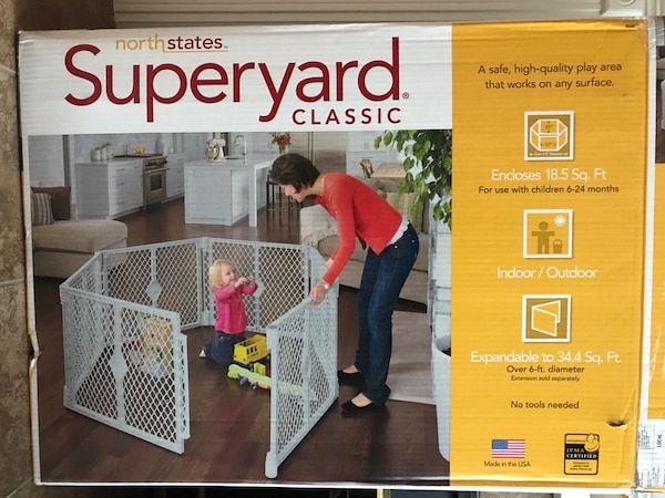 Baby gate/play area