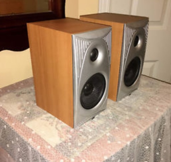Attractive Angstrom Omega II Bookshelf Speakers AO 200