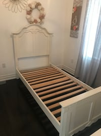 Girls twin white bed frame with headboard and footboard Vaughan, L6A 2J6