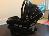 Graco click connect car seat and base Toronto, M9B 0A4