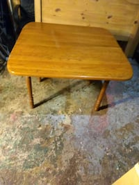 Dining room table with folding leaves