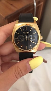 Nixon Watch good condition, running , no box but authentic Whitby, L1P 1N6