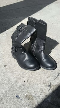 pair of black leather boots Los Angeles, 90011