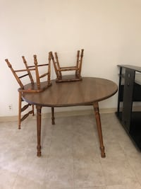 Dining table & 2 chairs  Las Vegas, 89123