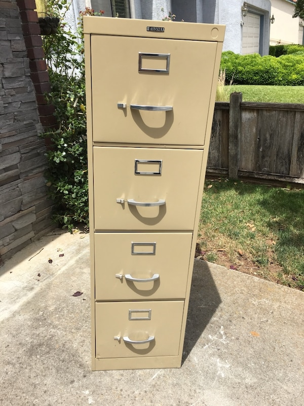 Used Beige Metal 4 Drawer File Cabinet Without Lock For In Morgan Hill