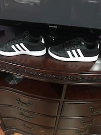 pair of black-and-white Adidas sneakers Tampa, 33615