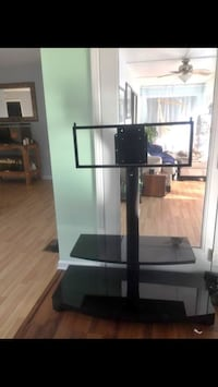 FLAT SCREEN TV MOUNT & GLASS ENTERTAINMENT CENTER Hampstead