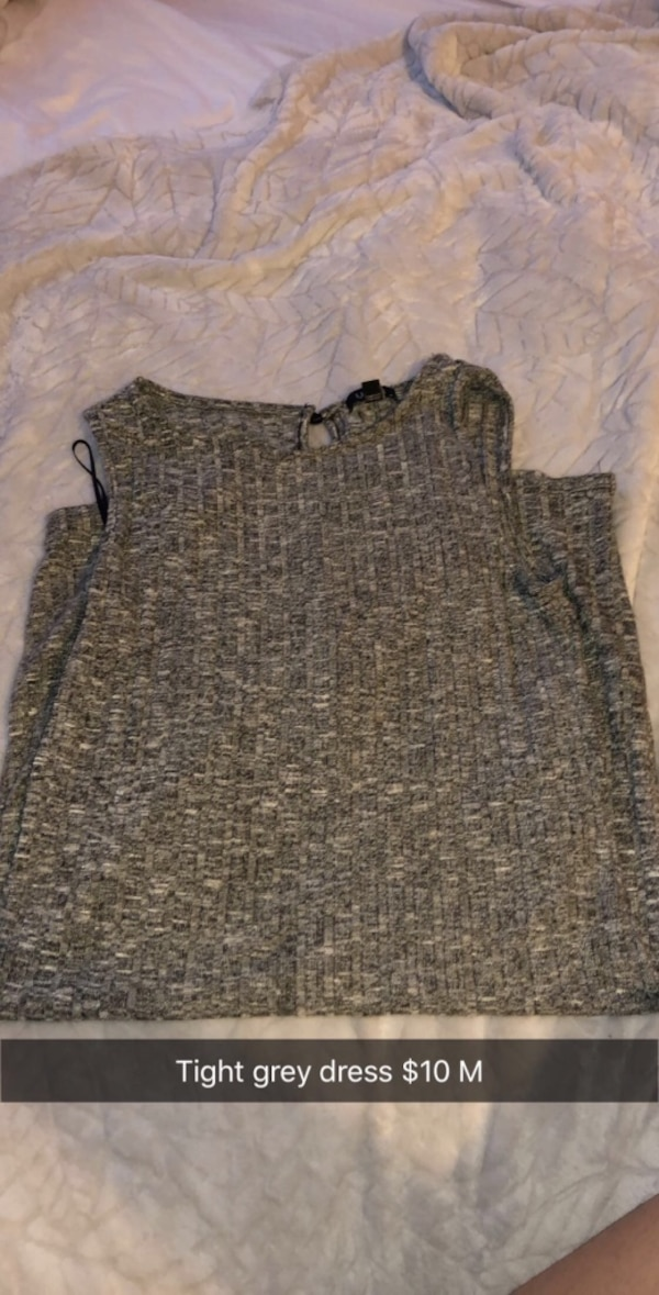 gray and black scoop neck sweater