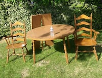 Dinette table w 2 removable leaves and 4 chairs 2332 mi