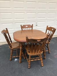 Solid Wood Kitchen Table With 4 Chairs  Manassas, 20112