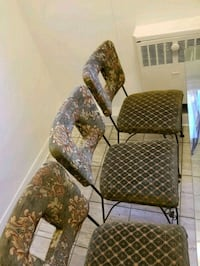 Kitchen Table and Four Chair need a nice for them Ottawa, K1L 6X1