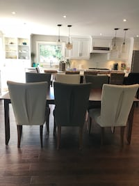 Dinning Room Set - Great Condition BARRIE