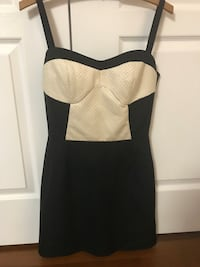 Designer black and white mini dress in very good condition. Vaughan, L4J 9J1