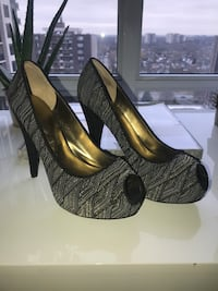 Women's high heel shoes. Nine West Brand. Size 10 Toronto, M9C 0A9