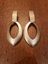 Fashion gold earrings  Vaughan, L4H 1M4
