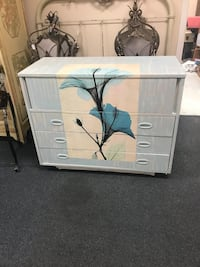 Beautiful solid wood dresser Jacksonville, 32218
