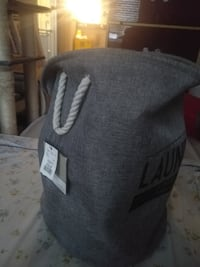 gray and white knit cap 多伦多