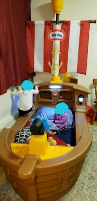 little tikes pirate ship bed Mississauga, L4Y 4K7