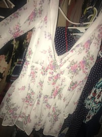 Agaci white floral romper never used M