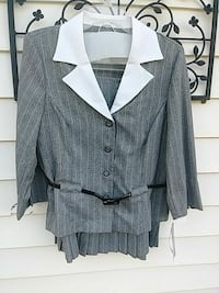 Ladies 2 pc dress suit size 26 Bristol, 37620