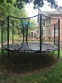 Trampoline - Alley Oop with basketball hoop and netting