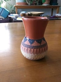 Native vase signed Los Ranchos de Albuquerque, 87107