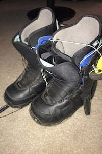 Woman's snowboard boots