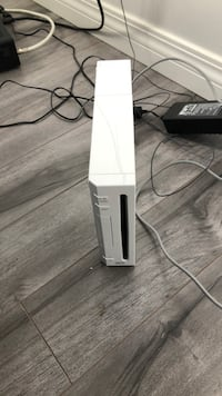white Nintendo Wii game console Calgary, T2Y