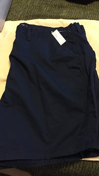 Men's nwt old navy shorts, size 44, navy blue Windsor, N9J 3L1
