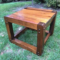 Antique solid wood 2 tone end table. Groveport, 43125