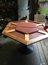 Poker playing table.in great shape.   Abbotsford, V2S 2W7