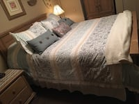Queen bedroom furniture complete set swipe up for more photos $500 firm Barrie, L4N 1G6