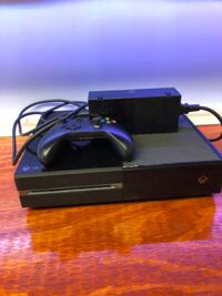 Xbox one great condition no issues works great comes with cords