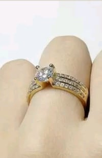 New 18KT Gold White Sapphire Engagement ring New Port Richey, 34652