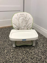 Chaise haute avec cabaret/high chair for babies with tray