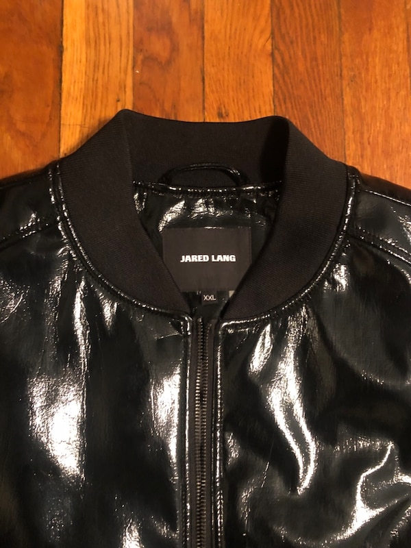 Men's Jared Lang paid $600 size XXL (fits like XL) Patent Leather Bomber jacket. Excellent condition never worn! Great jacket fda3fc35-c985-45fe-b814-f6726ee5806d