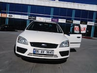 Ford - Focus - 2006 8730 km