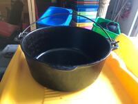 CAST IRON DUTCH OVEN WITHOUT LID