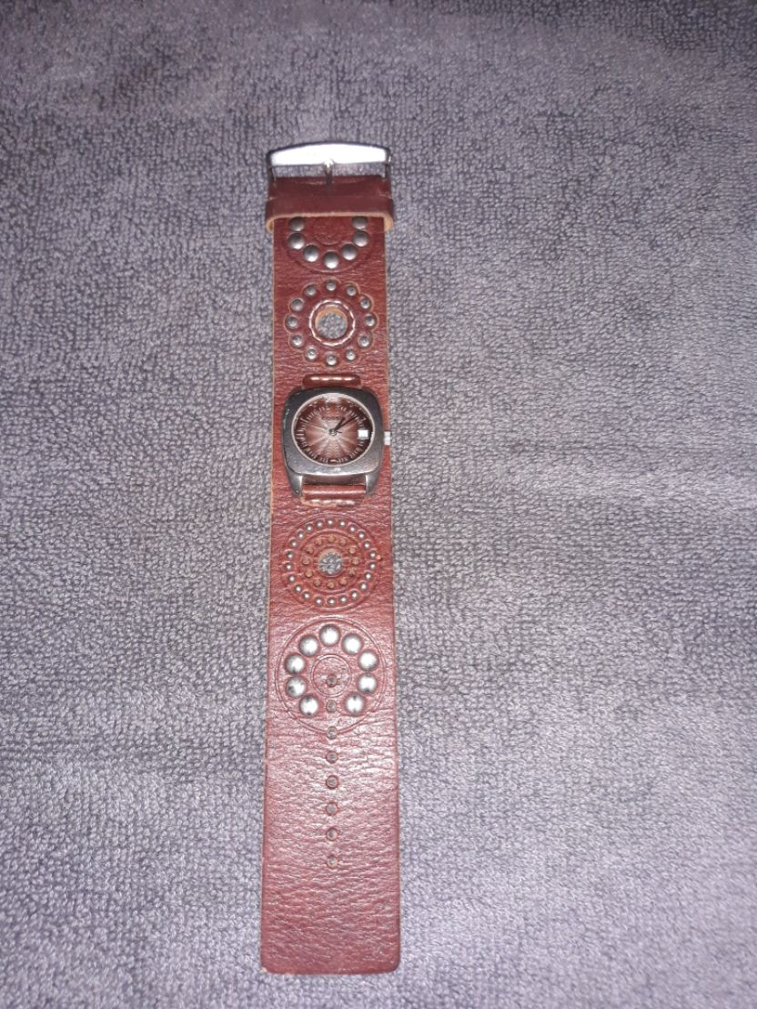 Photo Fossil watch female with leather band