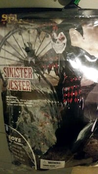 Sinister jester costume only includes headpiece wi