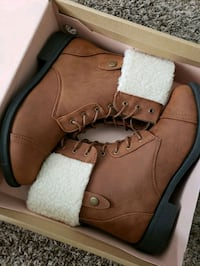 Brand new boots size 8