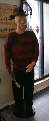 6FT FREDDY KRUEGER TALKING ANIMATRONIC A NIGHTMARE ON ELM ST