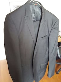 Kenneth Cole Full Suit in black Ontario, M3J