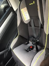 baby's gray and black car seat carrier 47 km
