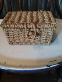 Wicker keepsake basket