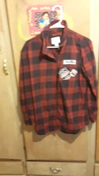red and black plaid button up dress shirt Palmdale, 93552