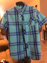 blue and purple plaid button-up shirt Bakersfield, 93309